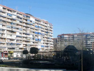 20100212215823-pisos-parque-lisboa1.jpg